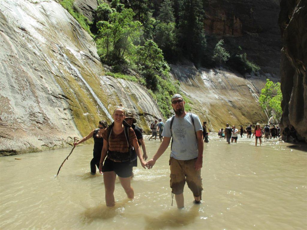 Trekking nurtem rzeki w Parku Narodowym Zion