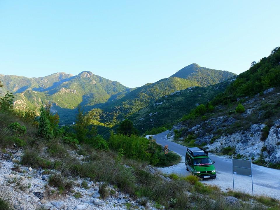 zielonym-busem-czarnogorskie-gory