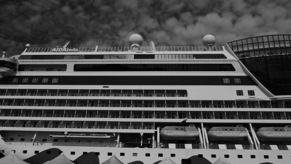 Statki wycieczkowe - pływające bloki