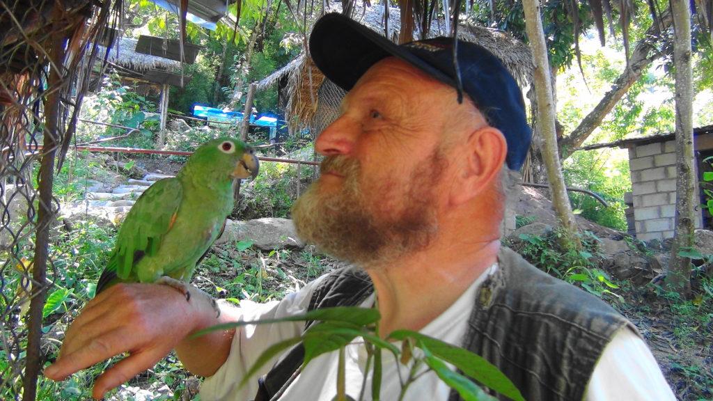 Szaman Mietek mieszka w Peru i dużo o ayahuasce opowiada, a także o Indianach, tajnych podziemnych przejściach, rytuałach.