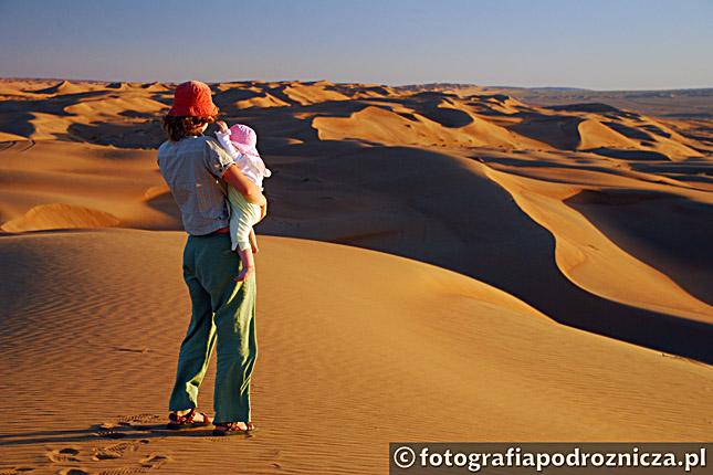 Zachód słońca na pustyni Wahiba