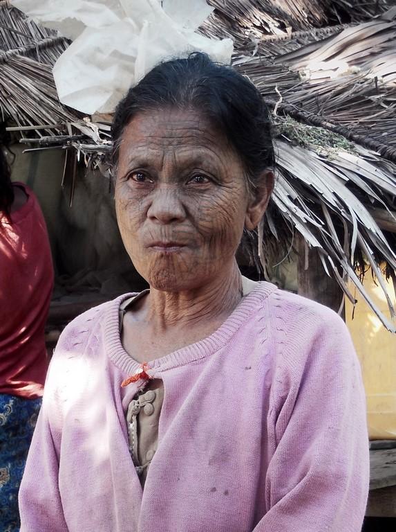 Starszyzna jednej z rodzin ze wsi Chin